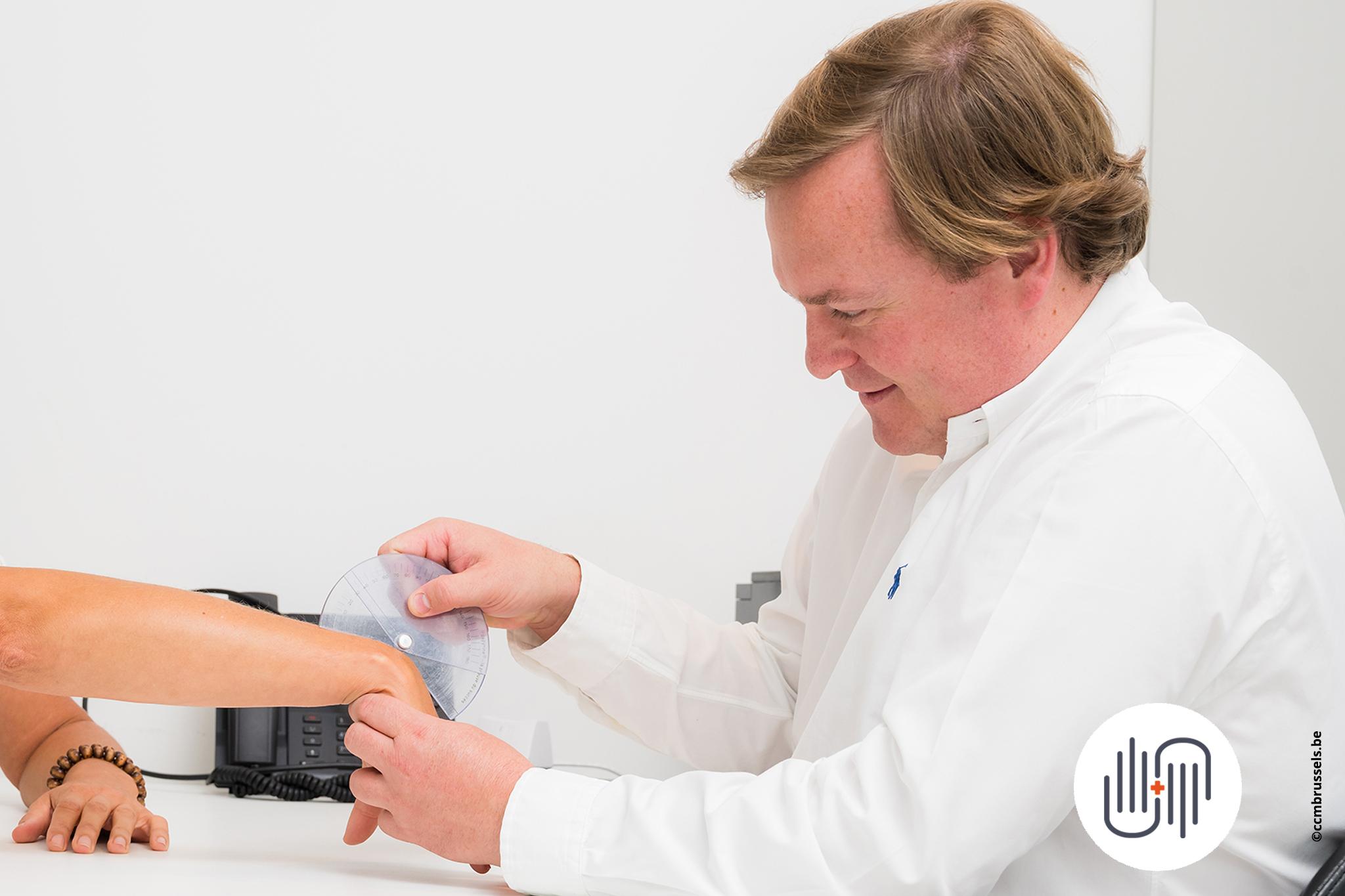 dr_cuylits_ccmbrussels_chirurgie_de _la_main